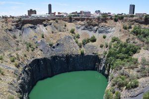 The big hole, Kimberley diamond mine