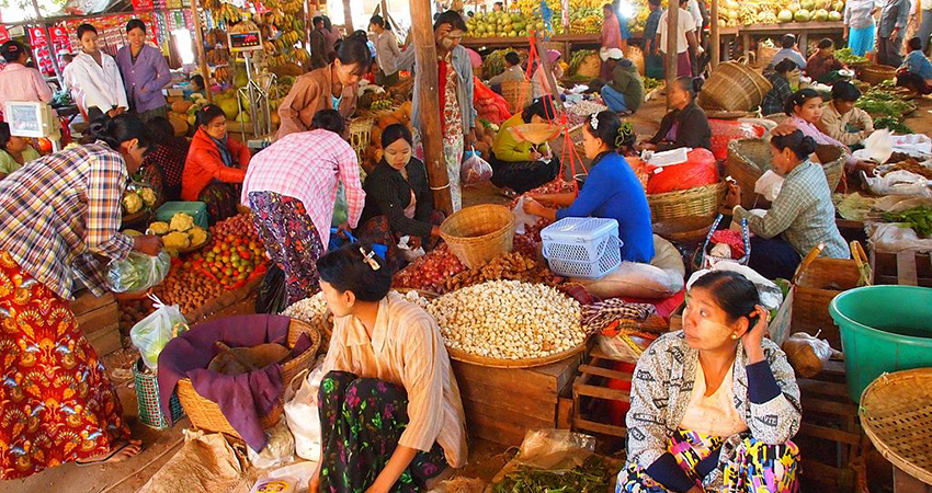 Market in Nyaungshwe, Myanmar